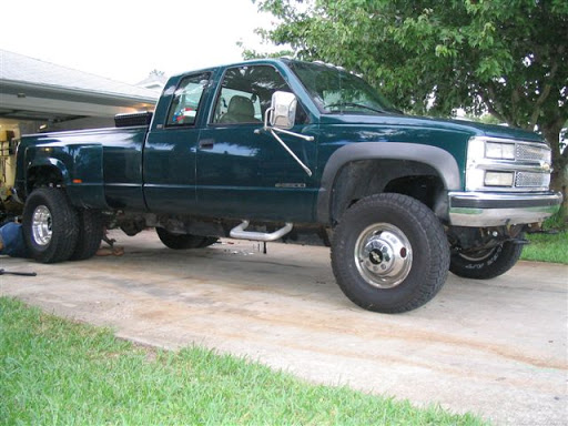 How to Install Wheel Spacers on Your Truck