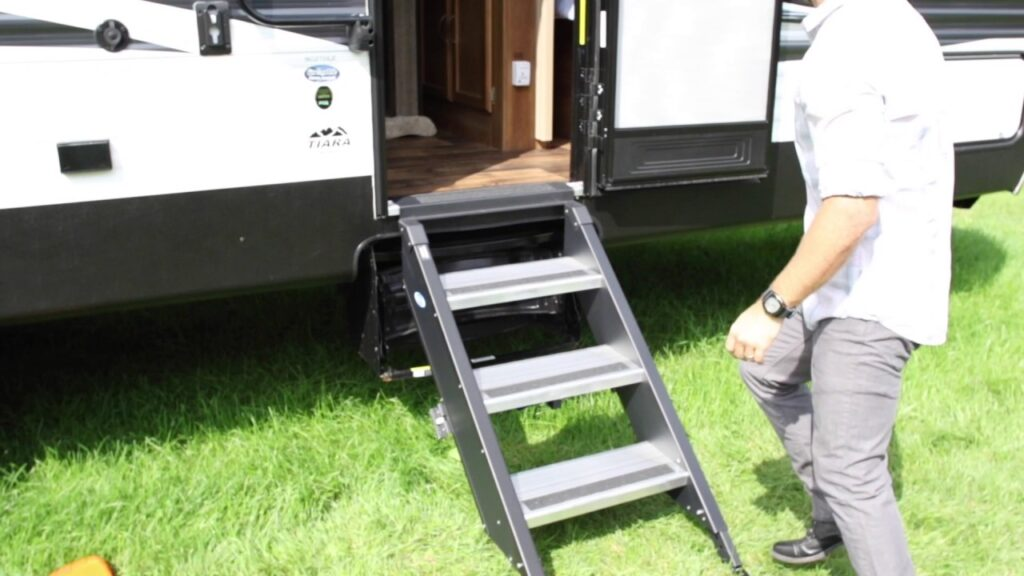 How Do You Measure RV Solid Steps?