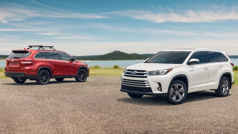 How Much Does a Toyota Highlander Weigh?
