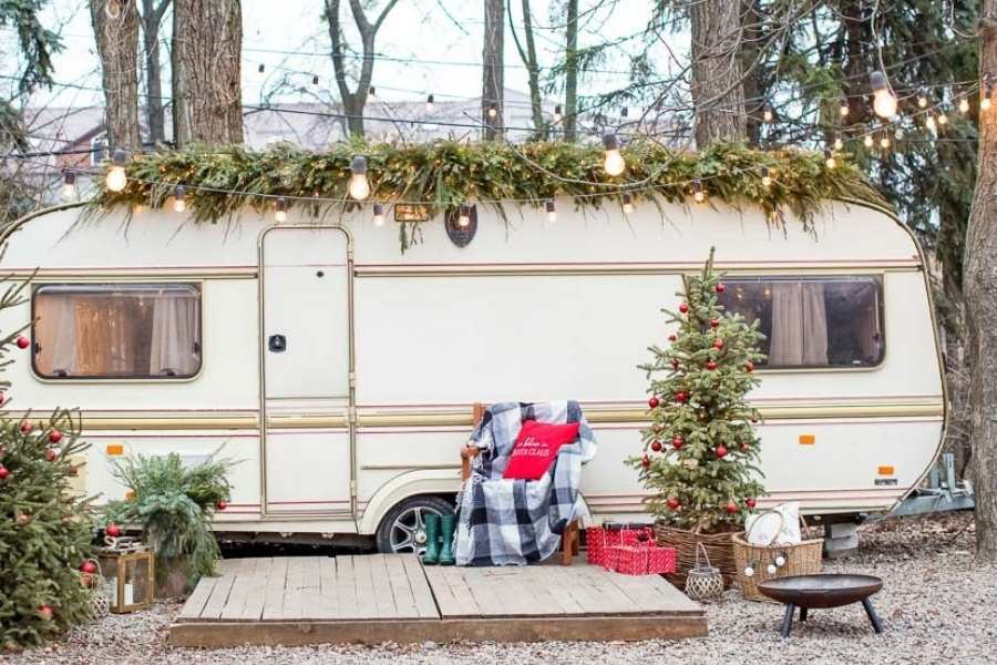 How to Decorate an RV for Christmas?